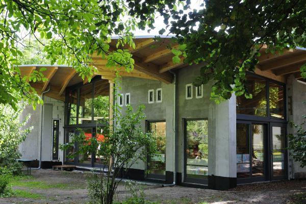 2012 HofgebäudeVomGarten 600x400